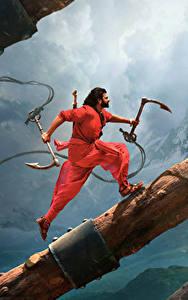 Фотографии Мужчины Бахубали: Рождение легенды Бег Бревна Prabhas Кино