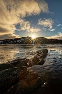 Картинки Небо Норвегия Облако Солнце Лучи света Troms Природа