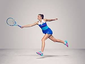Фото Теннис Бегущая Сером фоне Ноги Czech WTA Karolina Pliskova спортивная Девушки