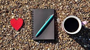 Фотографии Кофе День святого Валентина Сердца Блокнот Шариковая ручка Чашка