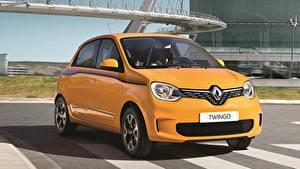 Картинки Renault Желтый Металлик 2019 Twingo Worldwide Автомобили