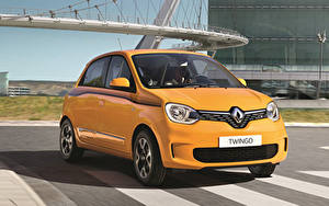 Картинки Renault Желтая Металлик 2019 Twingo Worldwide Автомобили