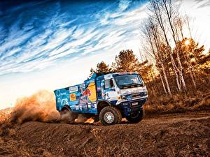Фотография Грузовики КАМАЗ Едущий 309 SilkWay Dakar