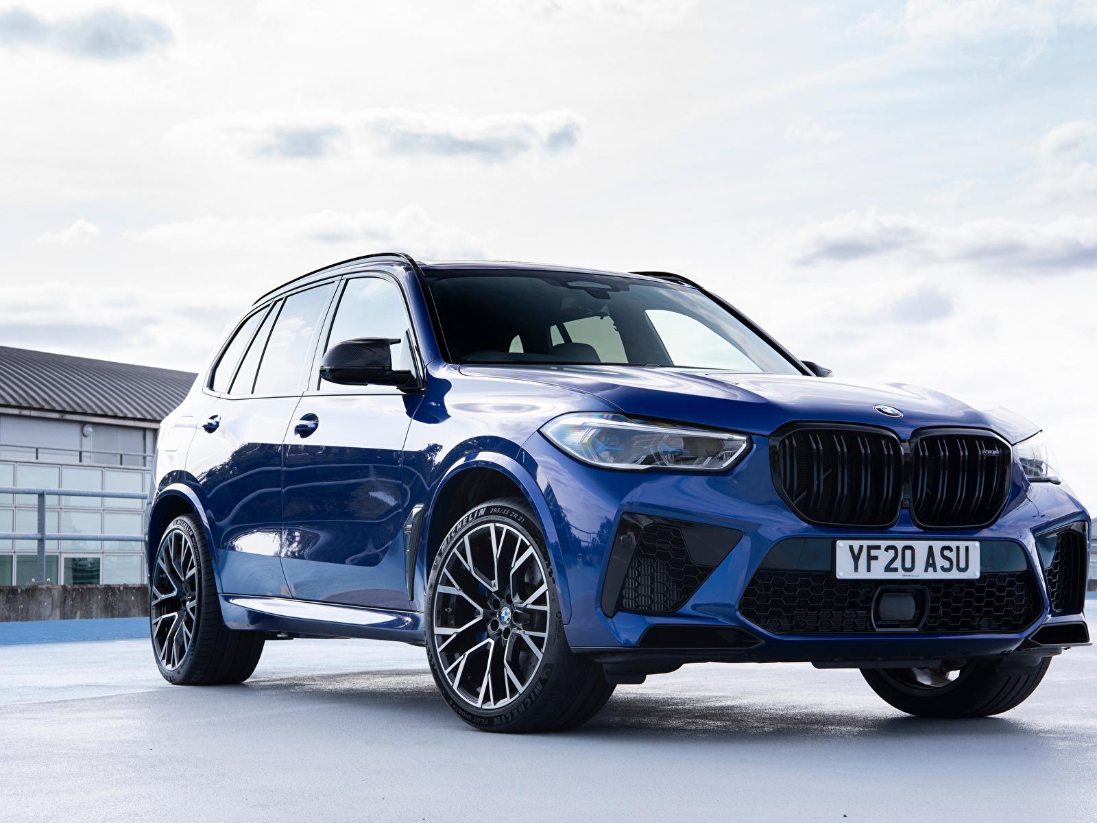 Обои для рабочего стола BMW Кроссовер X5 M Competition UK-spec (F95), 2020 Синий Металлик автомобиль 1600x1200 БМВ CUV синяя синие синих авто машины машина Автомобили