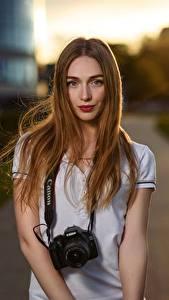 Картинка Боке Шатенки Смотрит Фотокамера Волос Yulya Goncharova, Dmitry Medved