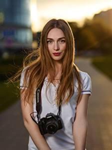Картинка Боке Шатенки Смотрит Фотокамера Волос Yulya Goncharova, Dmitry Medved девушка