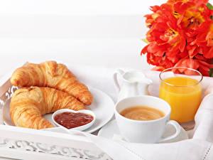 Обои Тюльпаны Кофе Сок Круассан Завтрак Чашка Стакан Еда