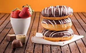 Обои Пончики Шоколад Клубника Конфеты Еда