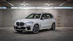 Фото BMW Белых Металлик Кроссовер 2018-19 X5 M50d Автомобили