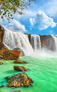 Фотографии Вьетнам Водопады Камень Облака Dry Nur waterfall Природа