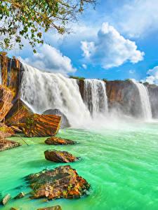 Фотографии Вьетнам Водопады Камень Облака Dry Nur waterfall