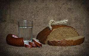 Обои Водка Колбаса Хлеб Стакан Колос Нарезанные продукты