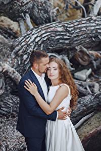 Фотографии Любовь Свадьба 2 Жених Невеста Объятие Шатенка