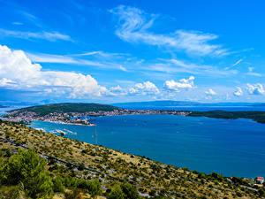 Обои Хорватия Берег Пристань Заливы Trogir Природа