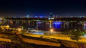 Фотографии Речка Пирсы Сербия Уличные фонари Ночные Belgrade