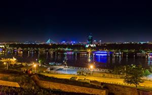 Фотографии Речка Пирсы Сербия Уличные фонари Ночные Belgrade Города