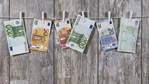 Обои Деньги Купюры Евро Доски Прищепки