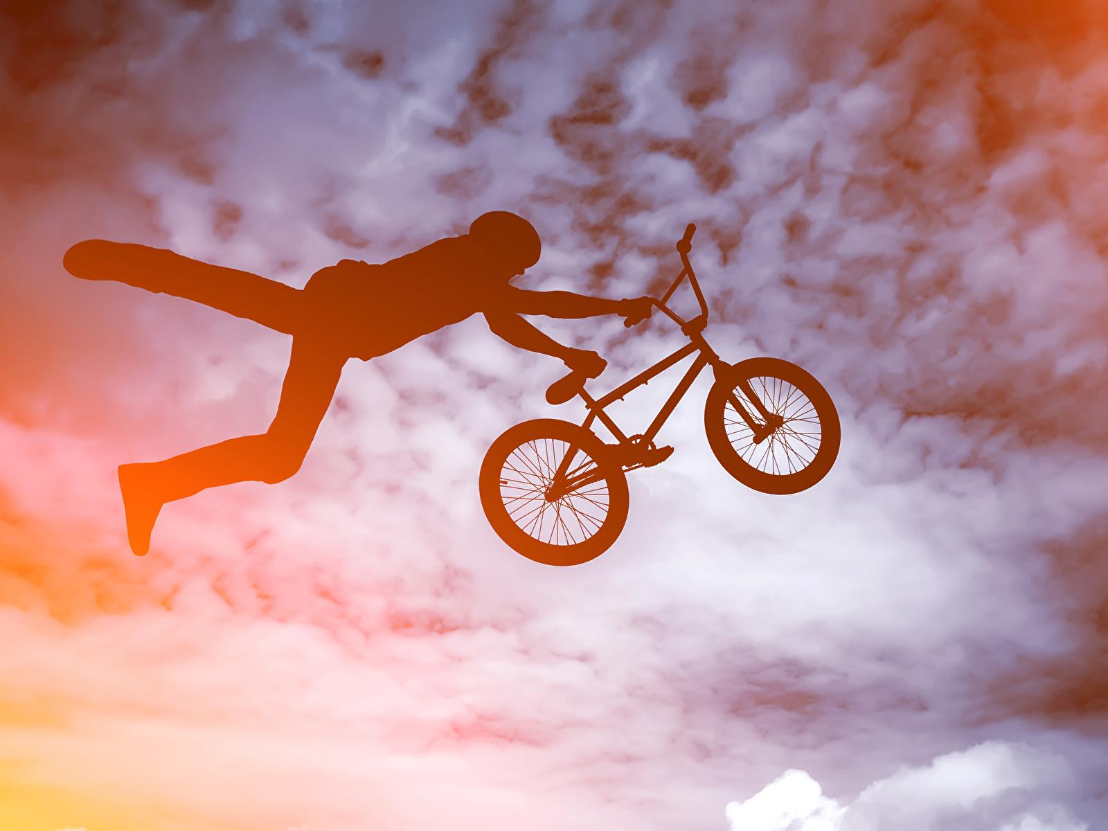 Картинка Мужчины Силуэт велосипеды Спорт Прыжок 1600x1200 силуэты силуэта Велосипед велосипеде спортивный спортивная спортивные прыгает прыгать в прыжке