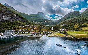 Картинка Норвегия Горы Здания Заливы Geiranger город