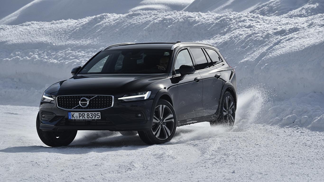 Фото машина Volvo 2018-19 V60 D4 Cross Country Worldwide черные Универсал 1366x768 авто машины автомобиль Автомобили Вольво черных Черный черная