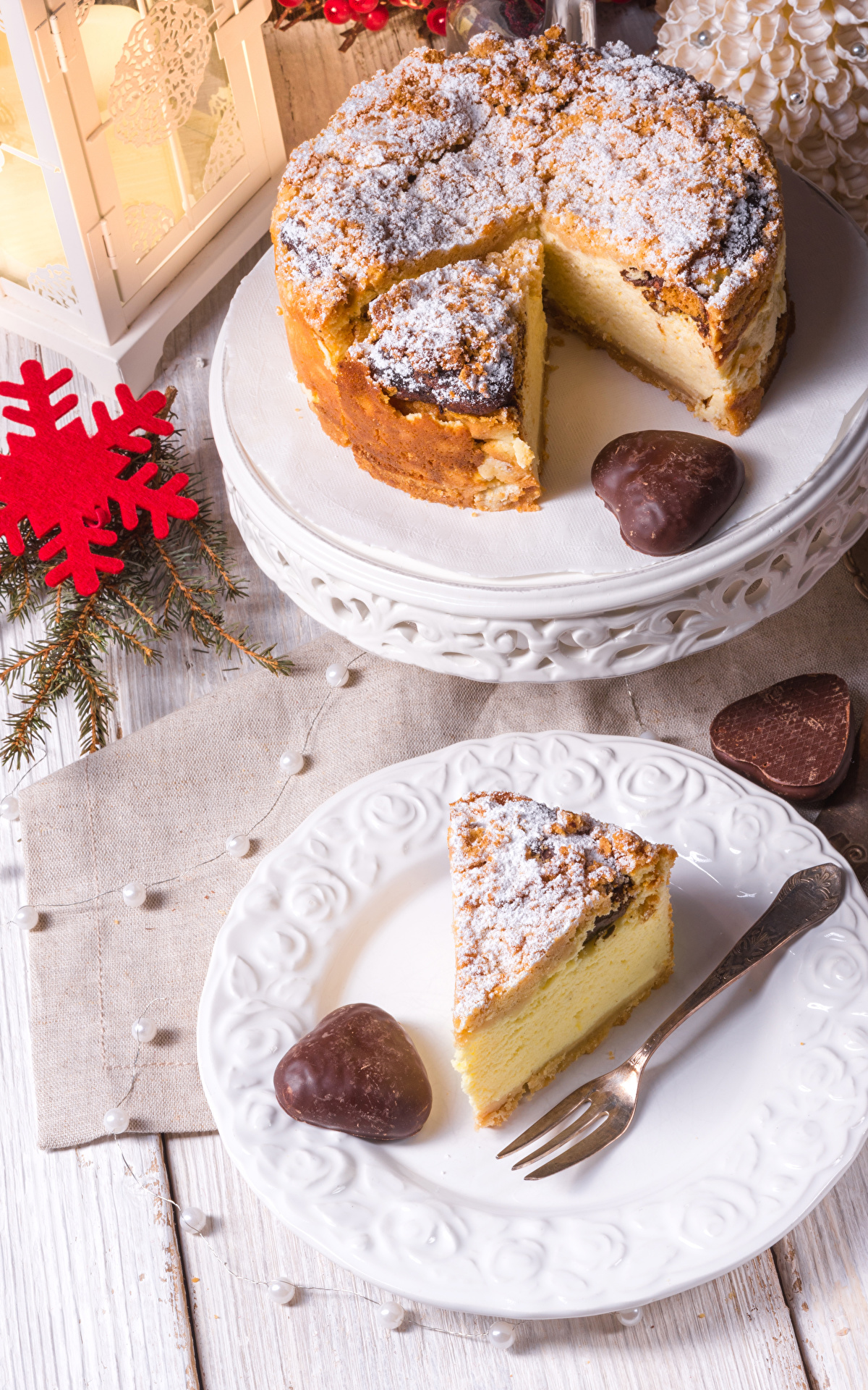 Фотография Пирог Рождество Снежинки Кусок Пища Тарелка Вилка столовая 1200x1920 Новый год часть Еда Продукты питания