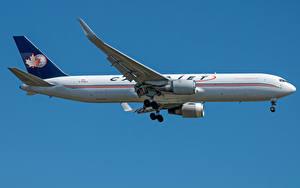 Картинка Боинг Самолеты Пассажирские Самолеты Сбоку Cargojet Airways, 767-300F Авиация