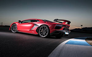 Картинка Lamborghini Красный Сбоку Aventador машина