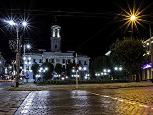 Обои Украина Дома В ночи Уличные фонари Улица Chernivtsi Chernivtsi Oblast город
