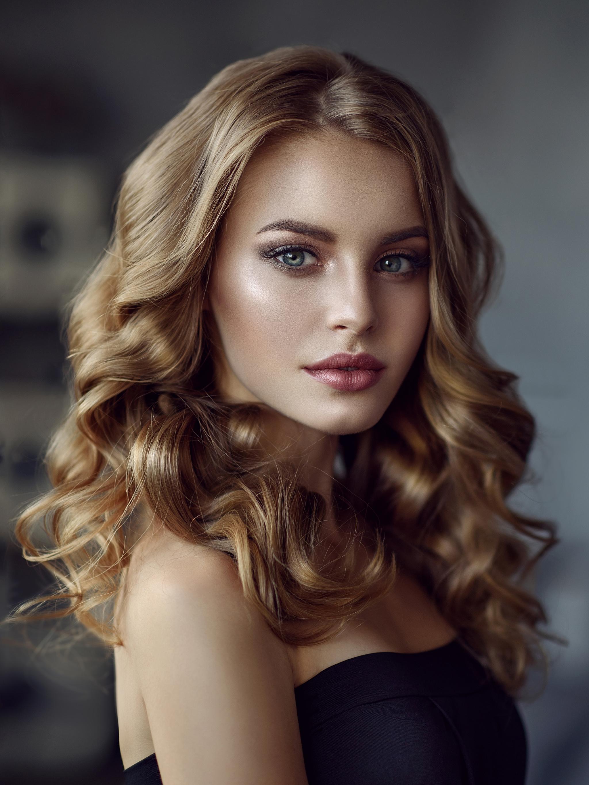 Фотография Русые Красивые Лицо Волосы Девушки Взгляд 2048x2732 смотрит