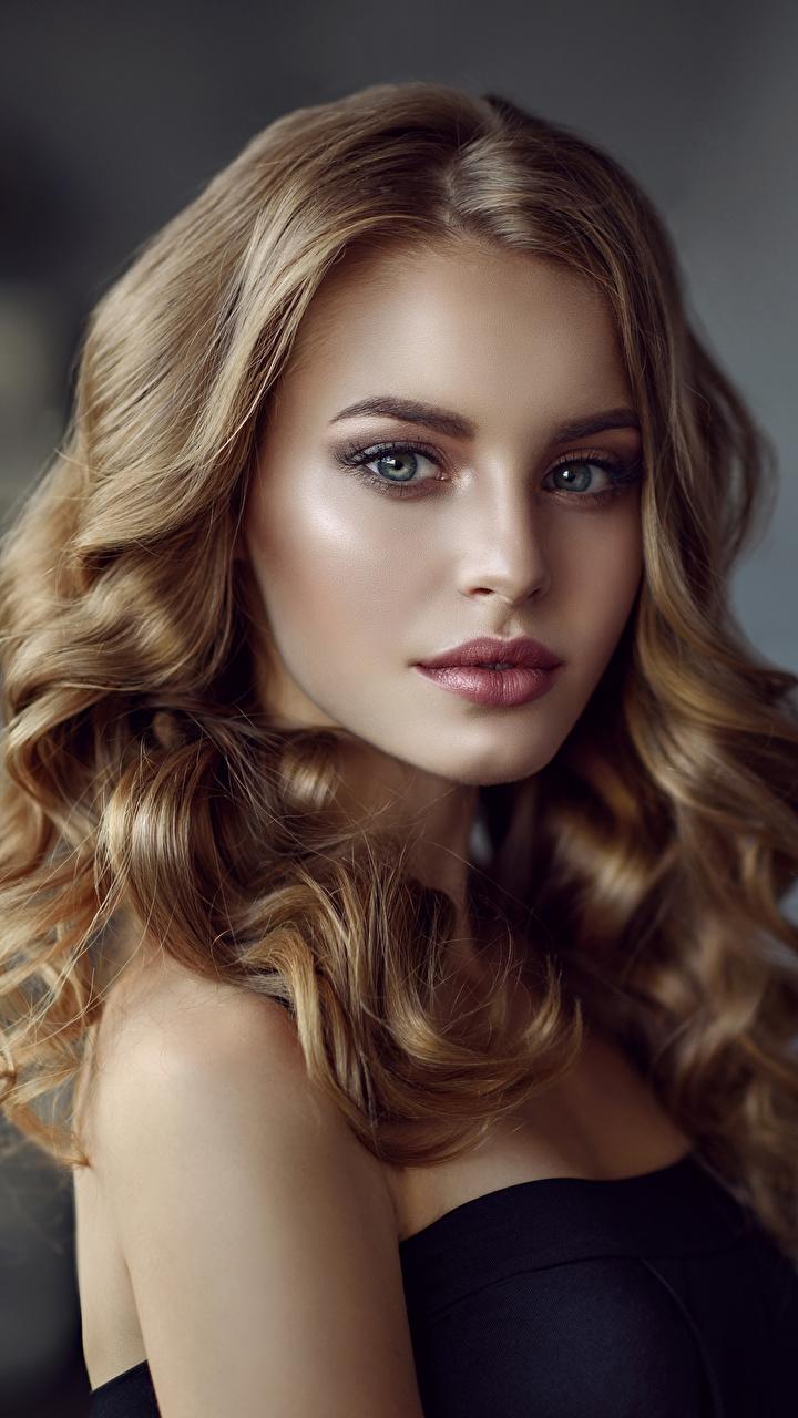 Фотография Русые Красивые Лицо Волосы Девушки Взгляд 720x1280 смотрит