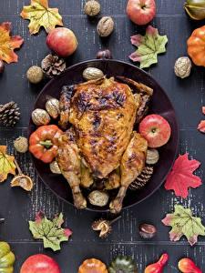 Картинки Осенние Курица запеченная Яблоки Листва Еда