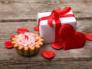 Обои Пирожное День святого Валентина Сердечко Подарок Продукты питания