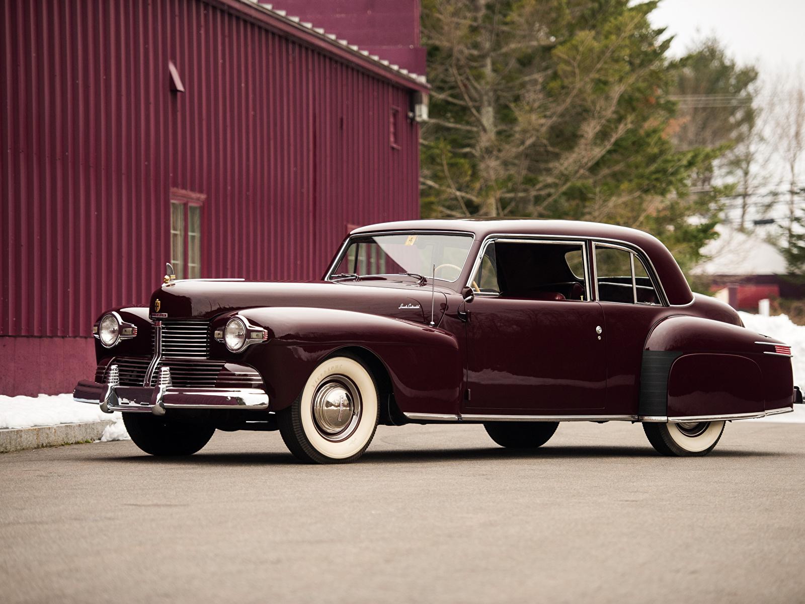 Картинка Lincoln 1942 Continental Coupe бордовая старинные авто Металлик 1600x1200 Ретро винтаж бордовые Бордовый темно красный машина машины автомобиль Автомобили