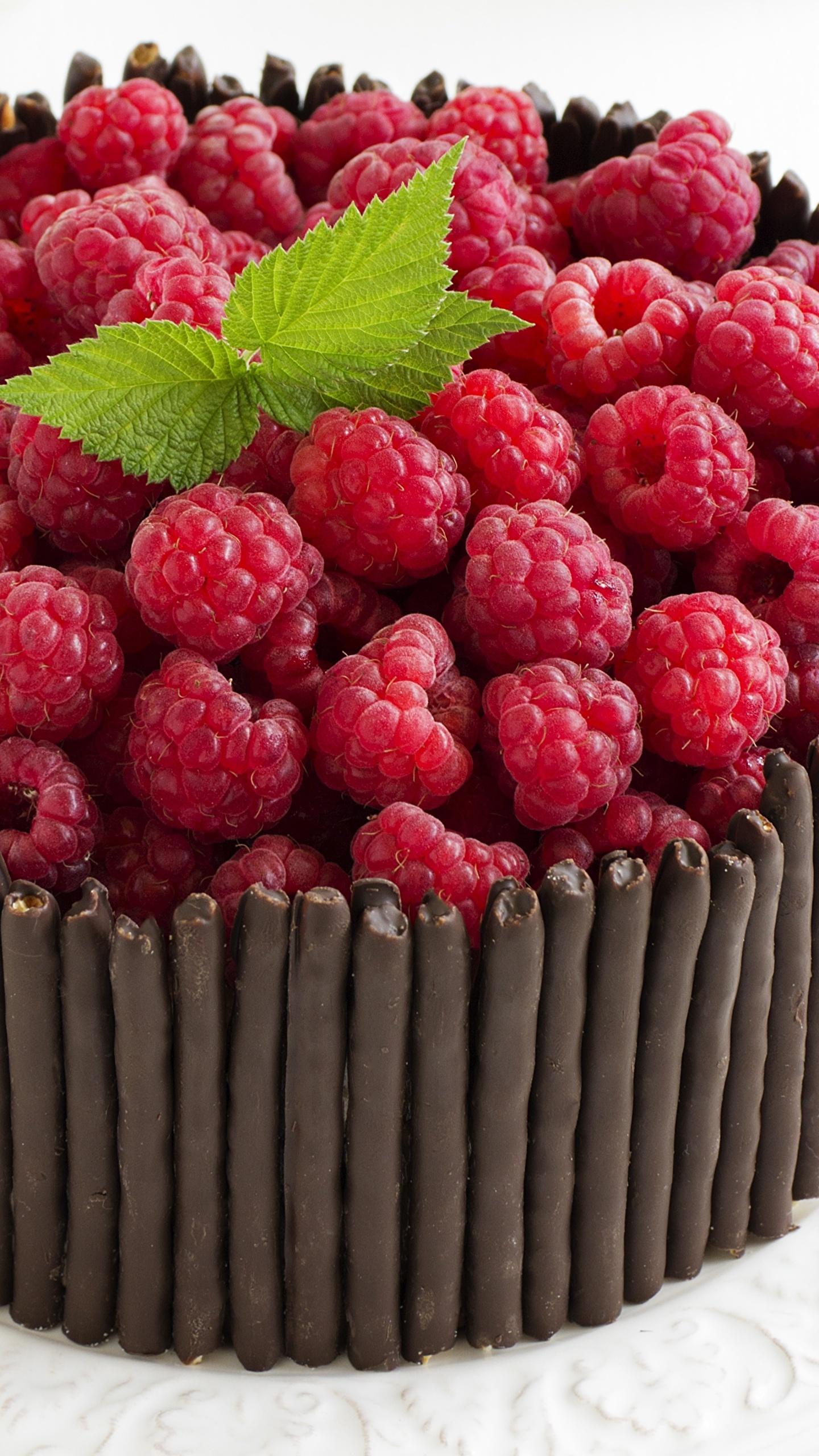 Обои Шоколад Торты Малина Пища 1440x2560 Еда Продукты питания