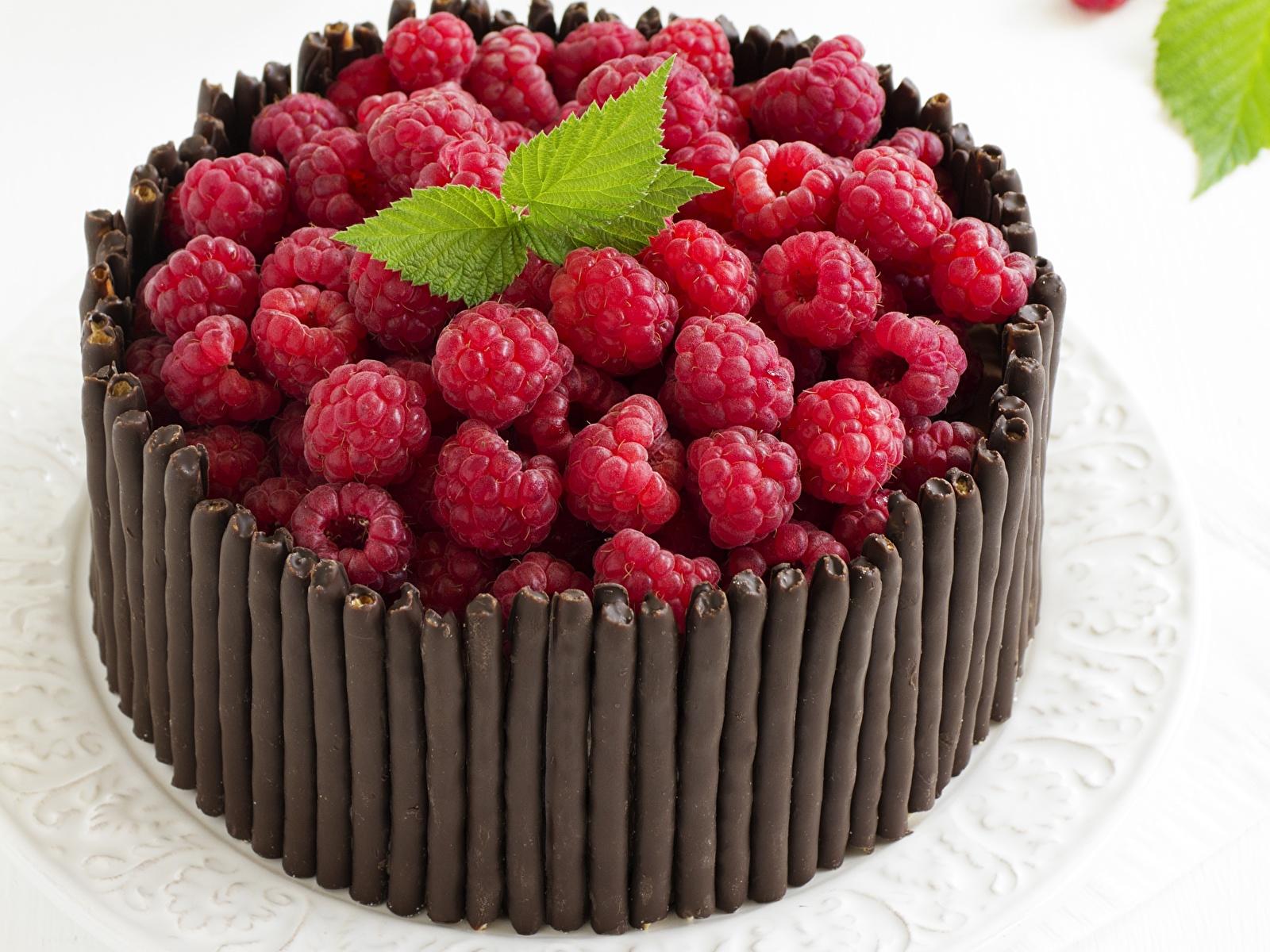Обои для рабочего стола Шоколад Торты Малина Пища 1600x1200 Еда Продукты питания