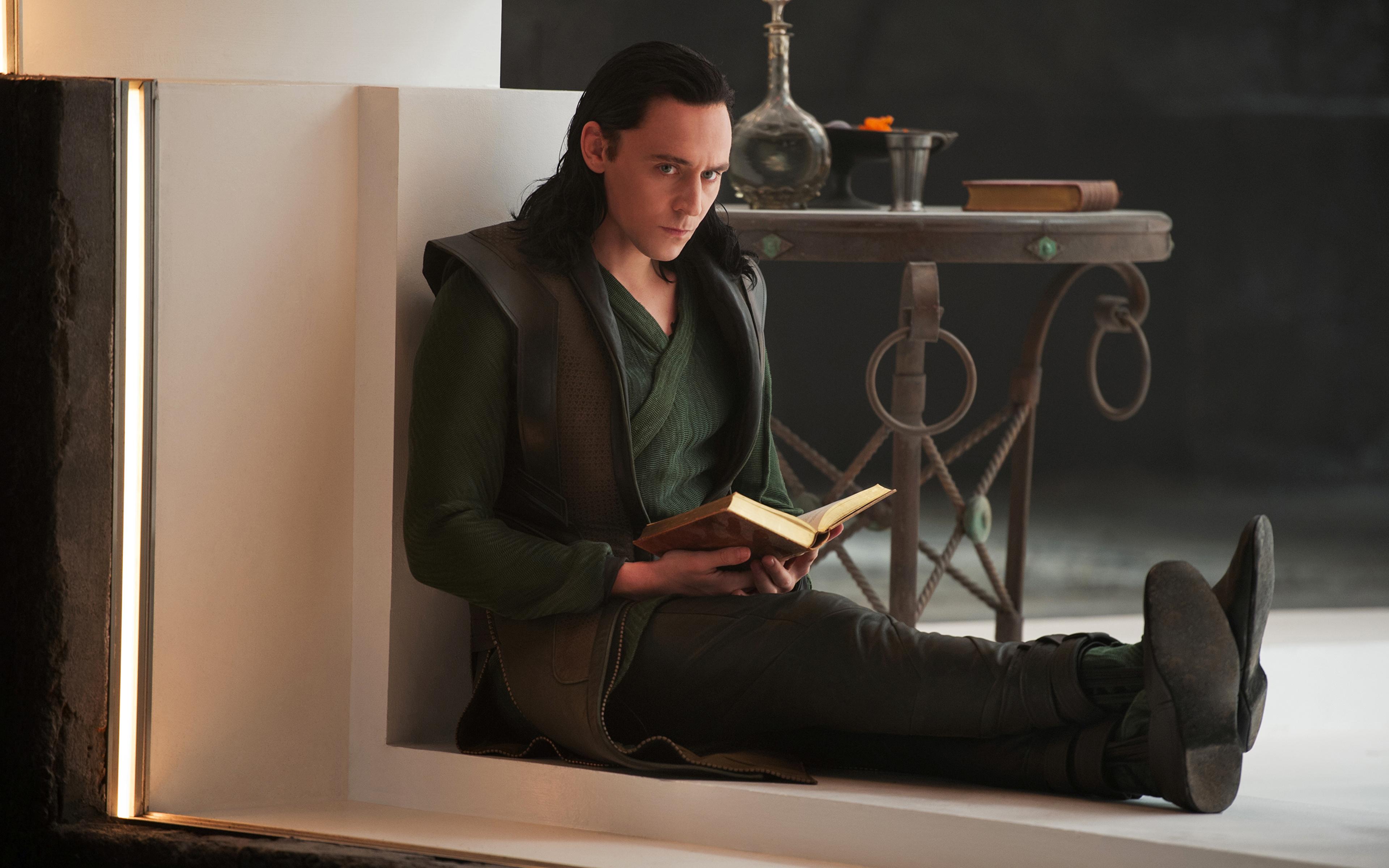 Фотография Тор 2: Царство тьмы Том Хиддлстон мужчина Фильмы Знаменитости 3840x2400 Tom Hiddleston Мужчины кино
