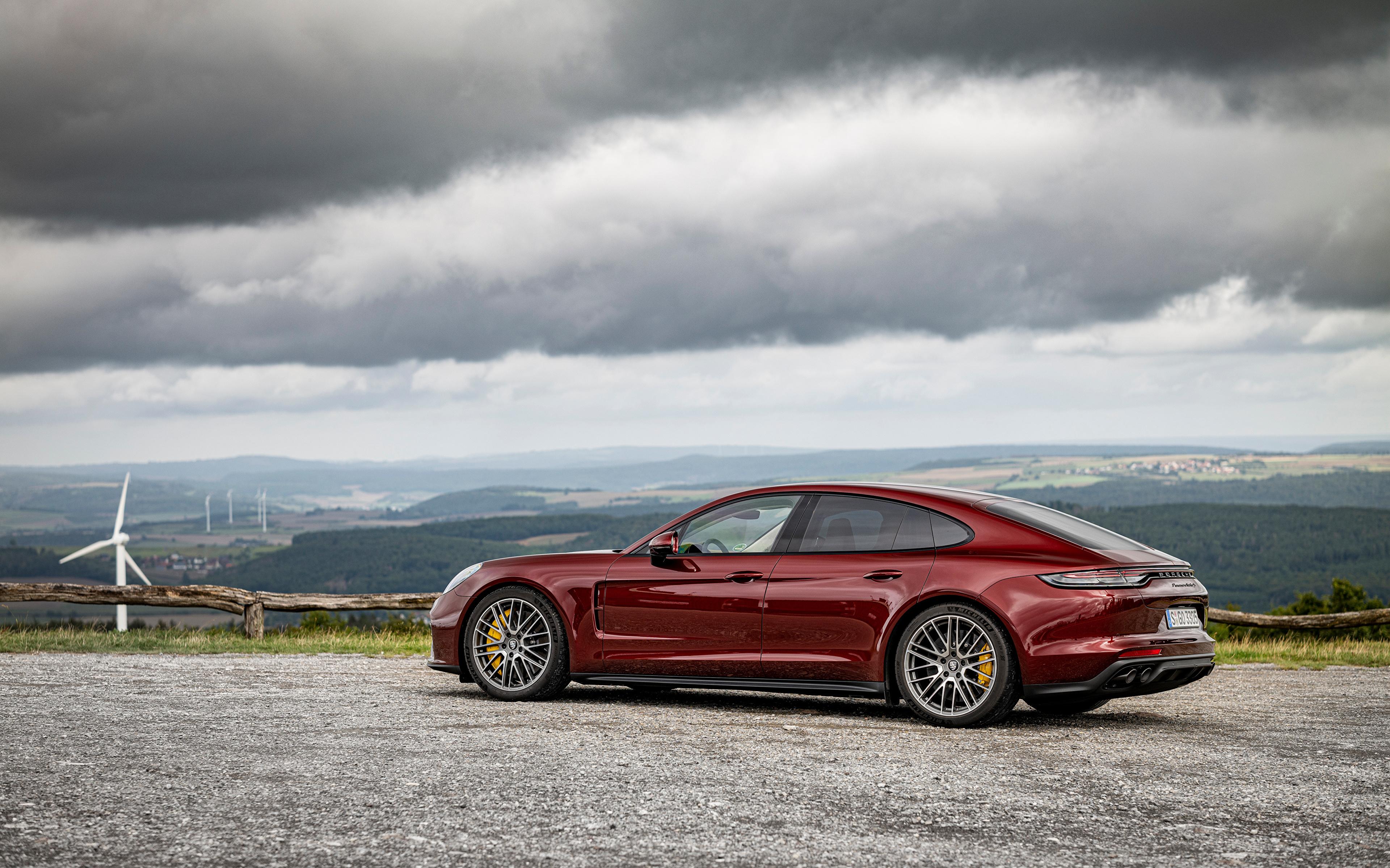 Картинки Порше Panamera Turbo S, (971), 2020 бордовые Металлик автомобиль 3840x2400 Porsche бордовая Бордовый темно красный авто машины машина Автомобили