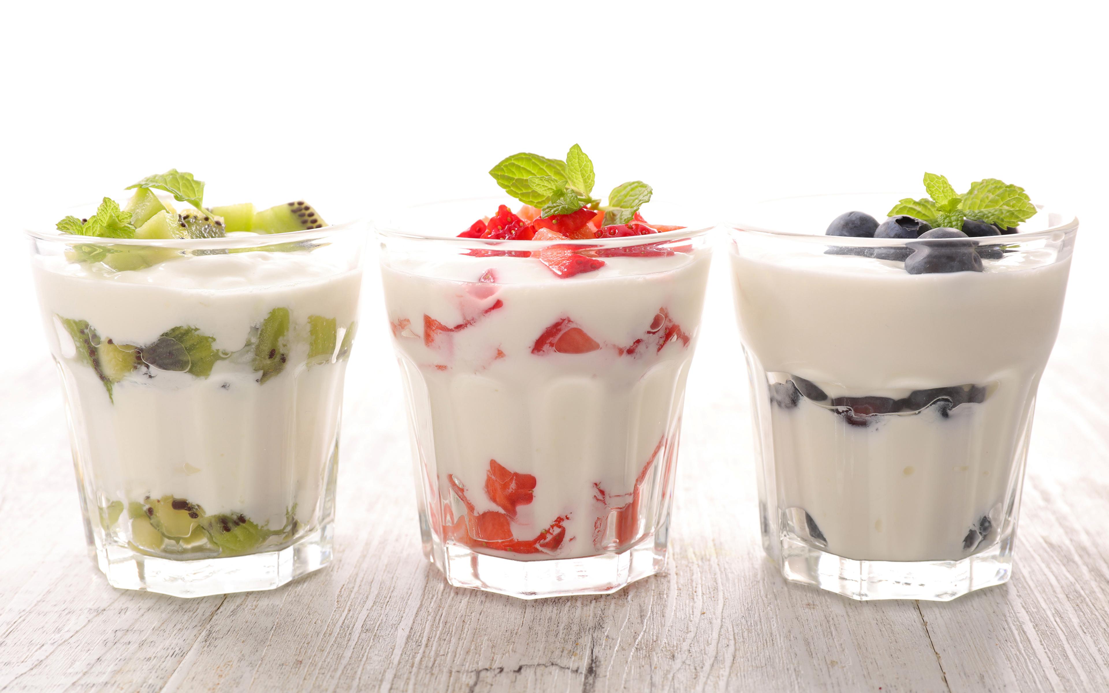 Фотографии Йогурт стакане Пища Трое 3 Фрукты 3840x2400 Стакан стакана Еда три втроем Продукты питания