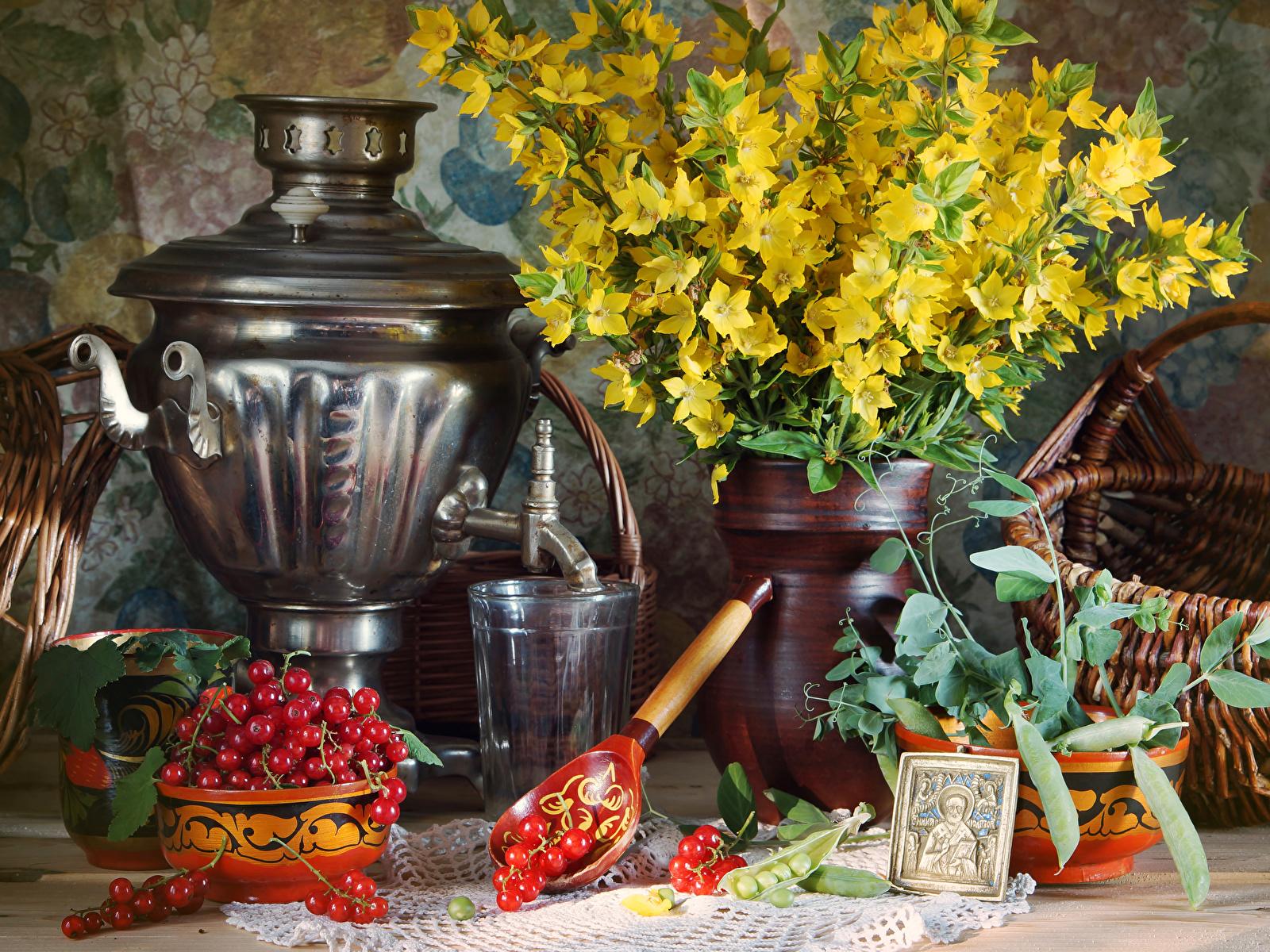 Обои самовары Букеты Стакан Смородина Еда ложки Натюрморт 1600x1200 Самовар самовара стакана стакане Пища Ложка Продукты питания
