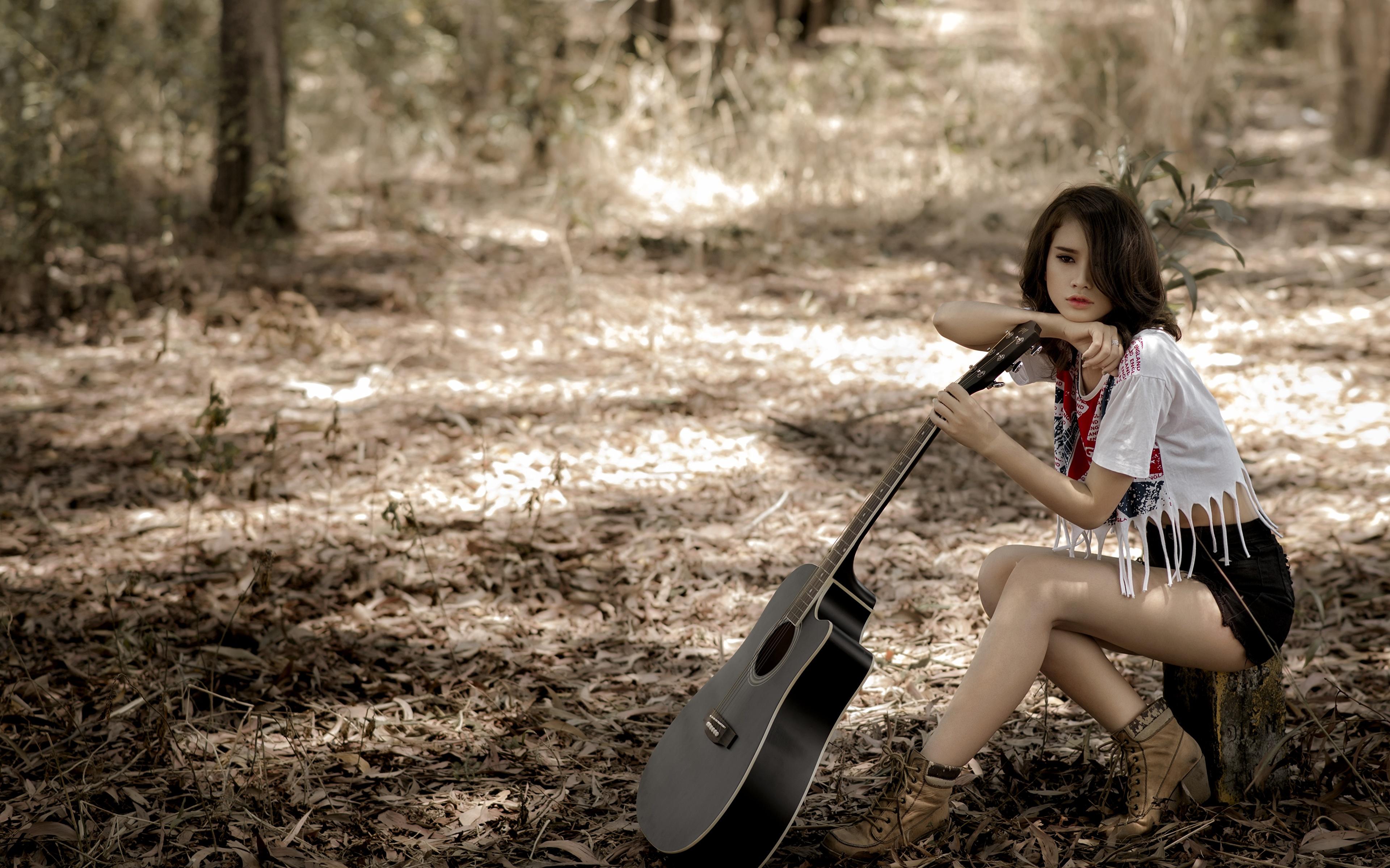 Картинка брюнеток гитары девушка азиатки шорт сидящие 3840x2400 брюнетки Брюнетка Гитара с гитарой Девушки молодая женщина молодые женщины Азиаты азиатка сидя Шорты Сидит шортах