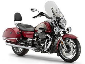 Обои для рабочего стола Белом фоне Темно красный 2012-21 Moto Guzzi California 1400 Touring SE мотоцикл