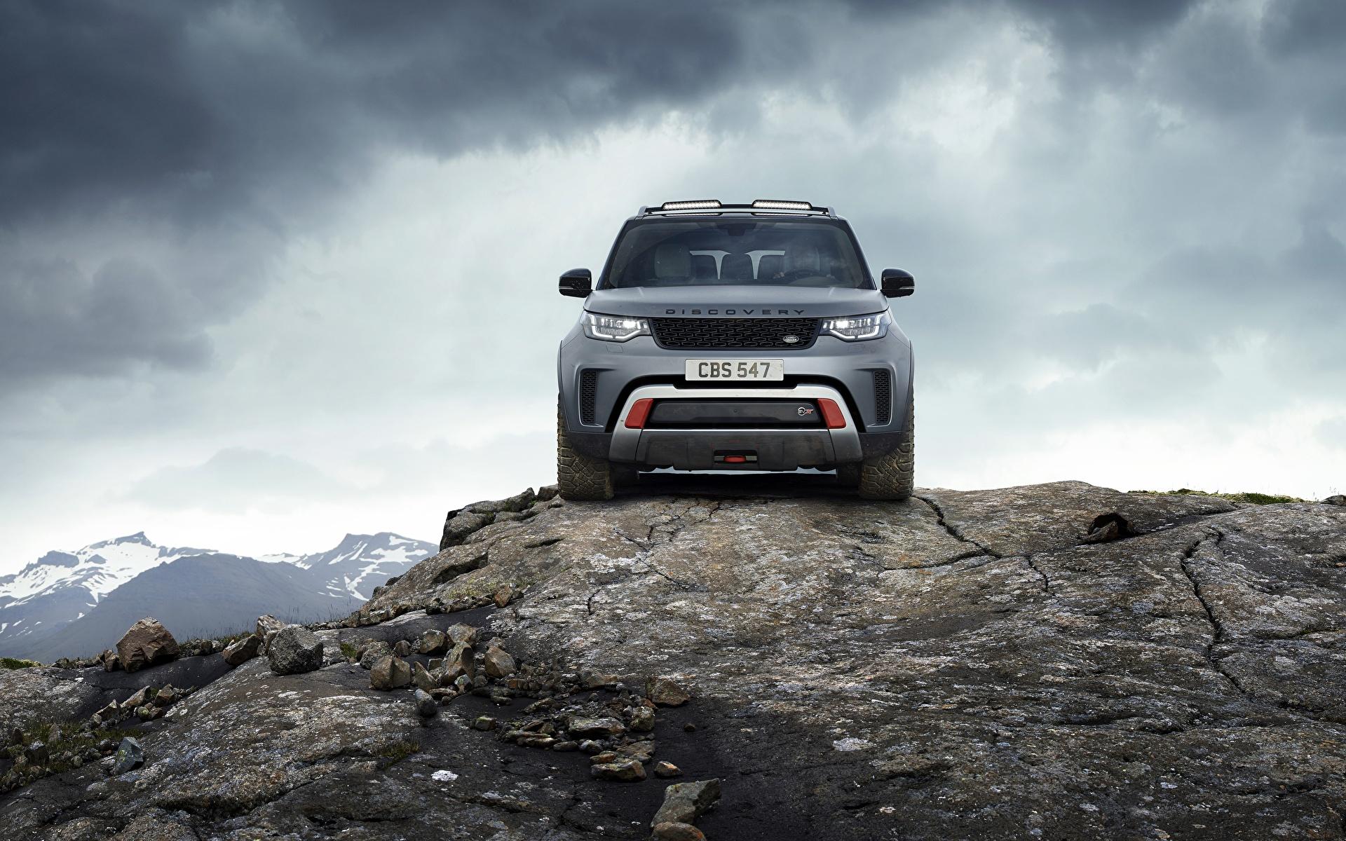 Фотографии Range Rover Внедорожник Discovery 4x4 2017 V8 SVX 525 скалы серая Камни Спереди Металлик Автомобили 1920x1200 Land Rover SUV Утес скале Скала Серый серые авто Камень машины машина автомобиль