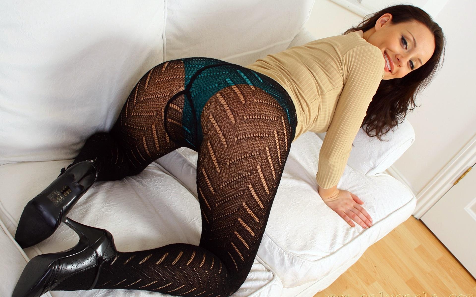 Секс с калготкой, Чулки и колготки Смотретьпорно видео роликов 13 фотография