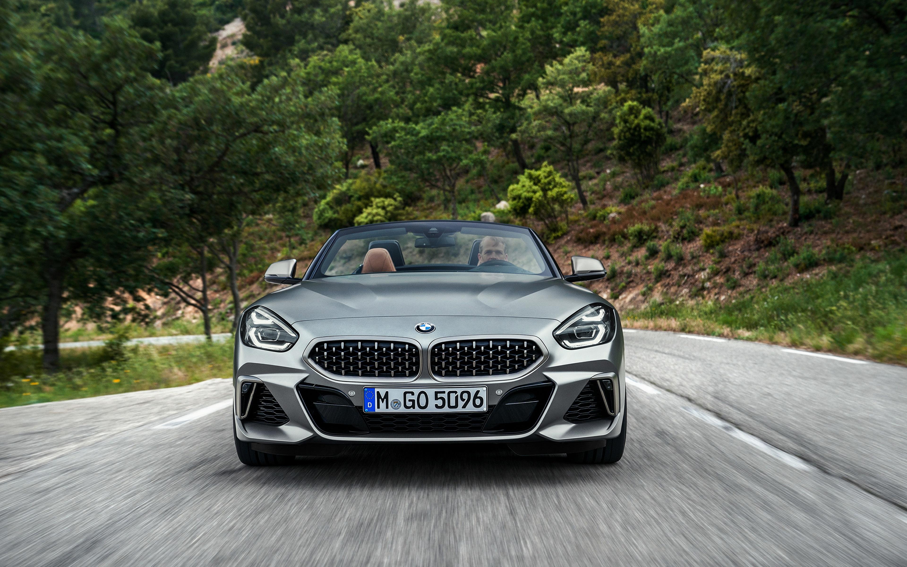 Фото BMW Z4 M40i 2019 G29 Родстер Движение Спереди Автомобили 3840x2400 БМВ едущий скорость Авто Машины