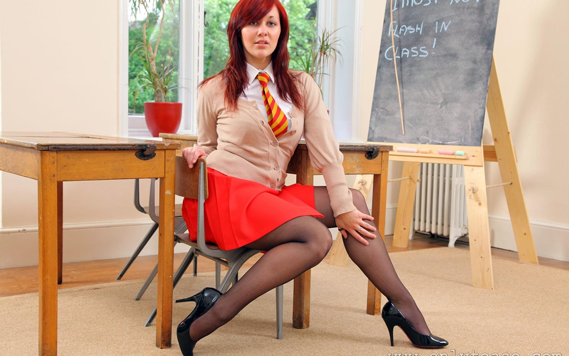 Трахнул офигенную училку, Секс с училкой - учись сексу в Порно с Училкой онлайн! 19 фотография