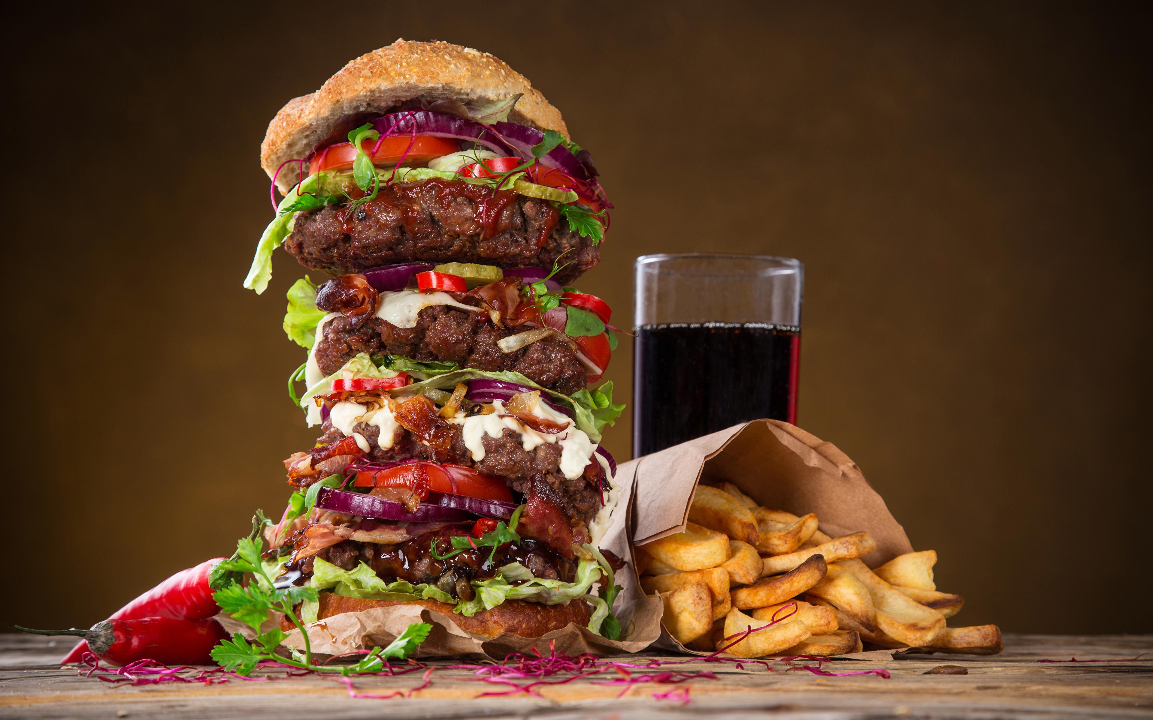 Обои для рабочего стола Гамбургер Картофель фри стакана Быстрое питание Пища Напитки 3840x2400 Стакан стакане Фастфуд Еда Продукты питания напиток