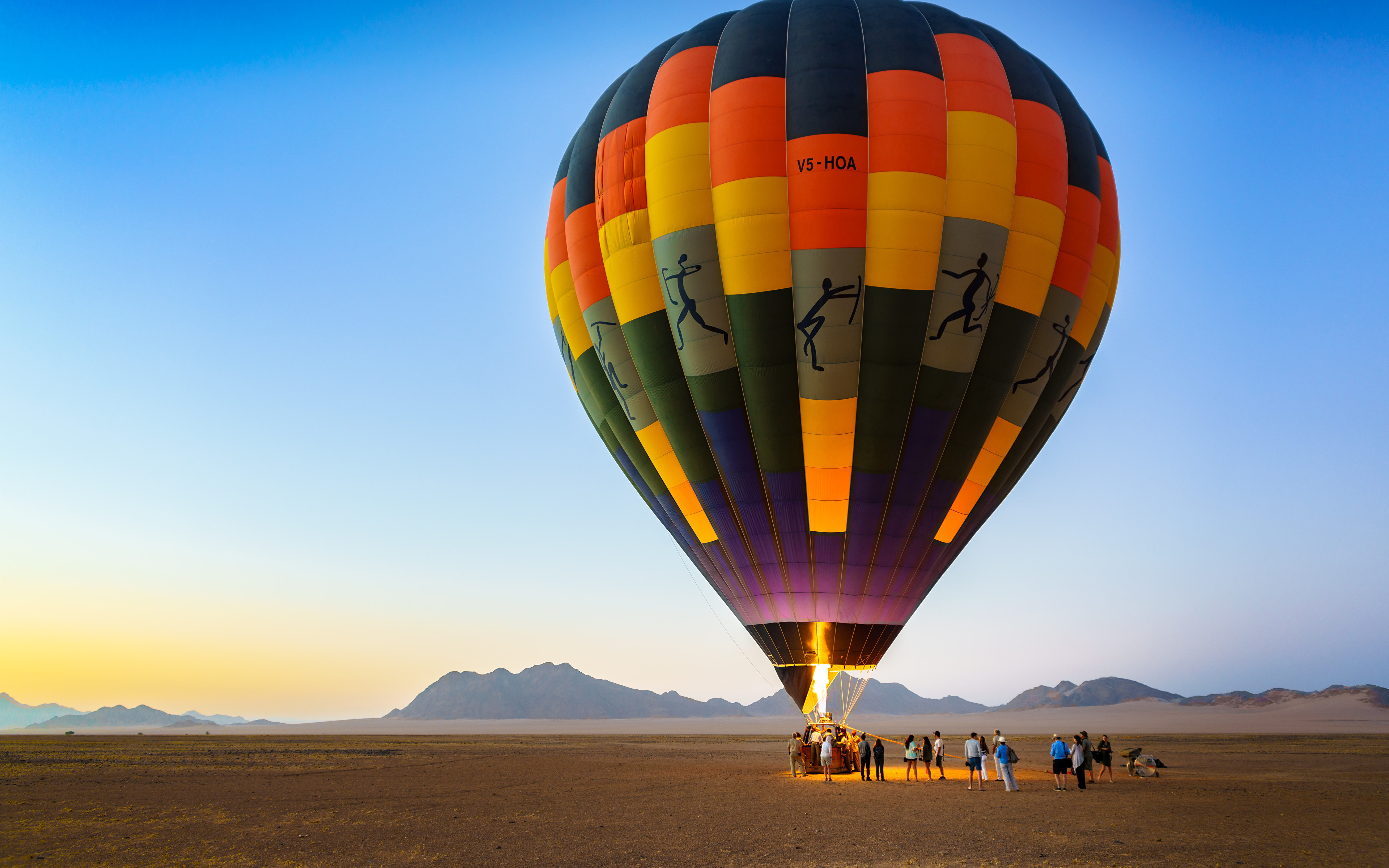 Картинки Африка аэростат Sossusvlei, Namib-Naukluft National Park, Namibia Природа Небо 3840x2400 Воздушный шар