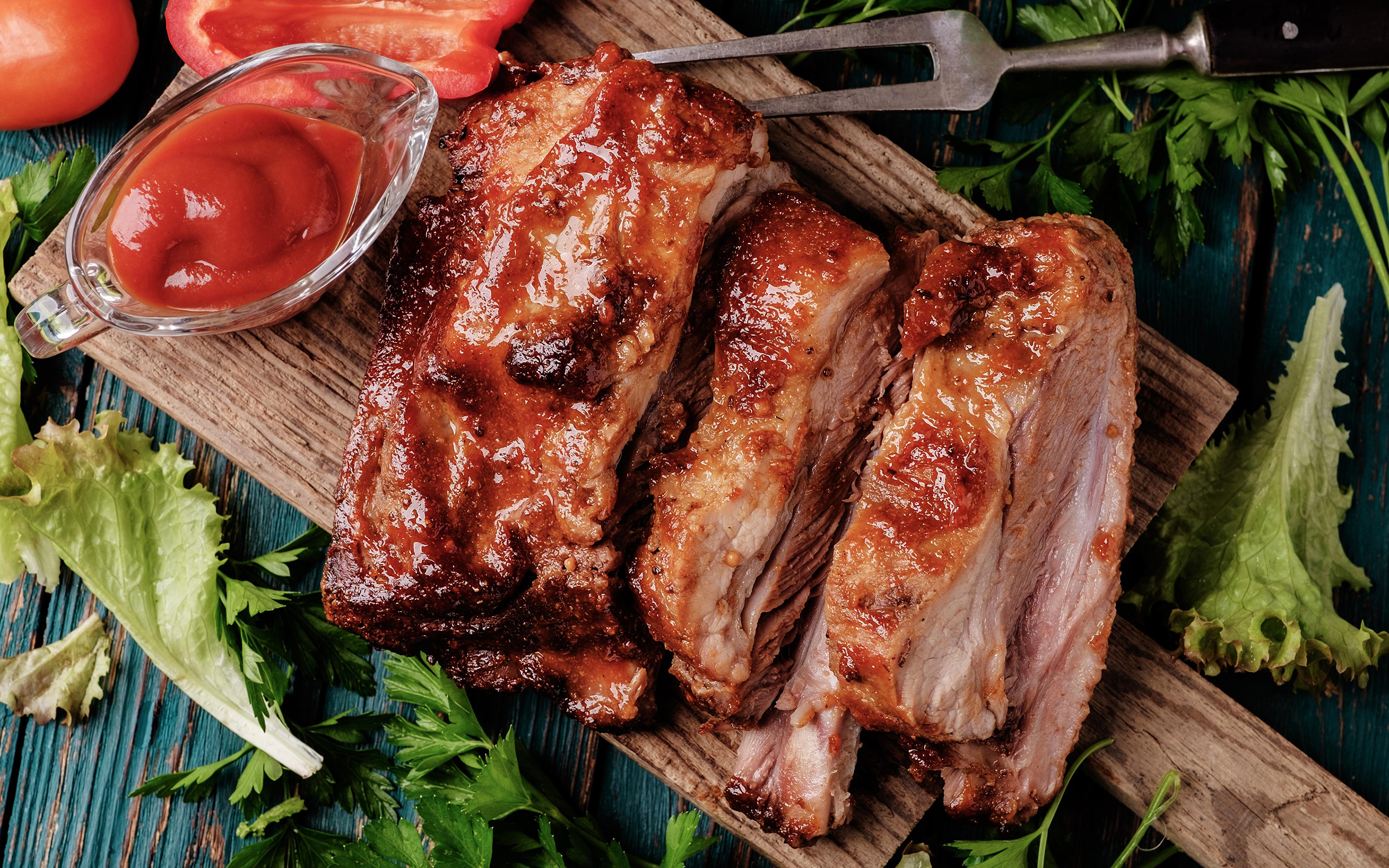 Картинка кетчупа Еда Разделочная доска Мясные продукты 3840x2400 Кетчуп кетчупом Пища Продукты питания разделочной доске