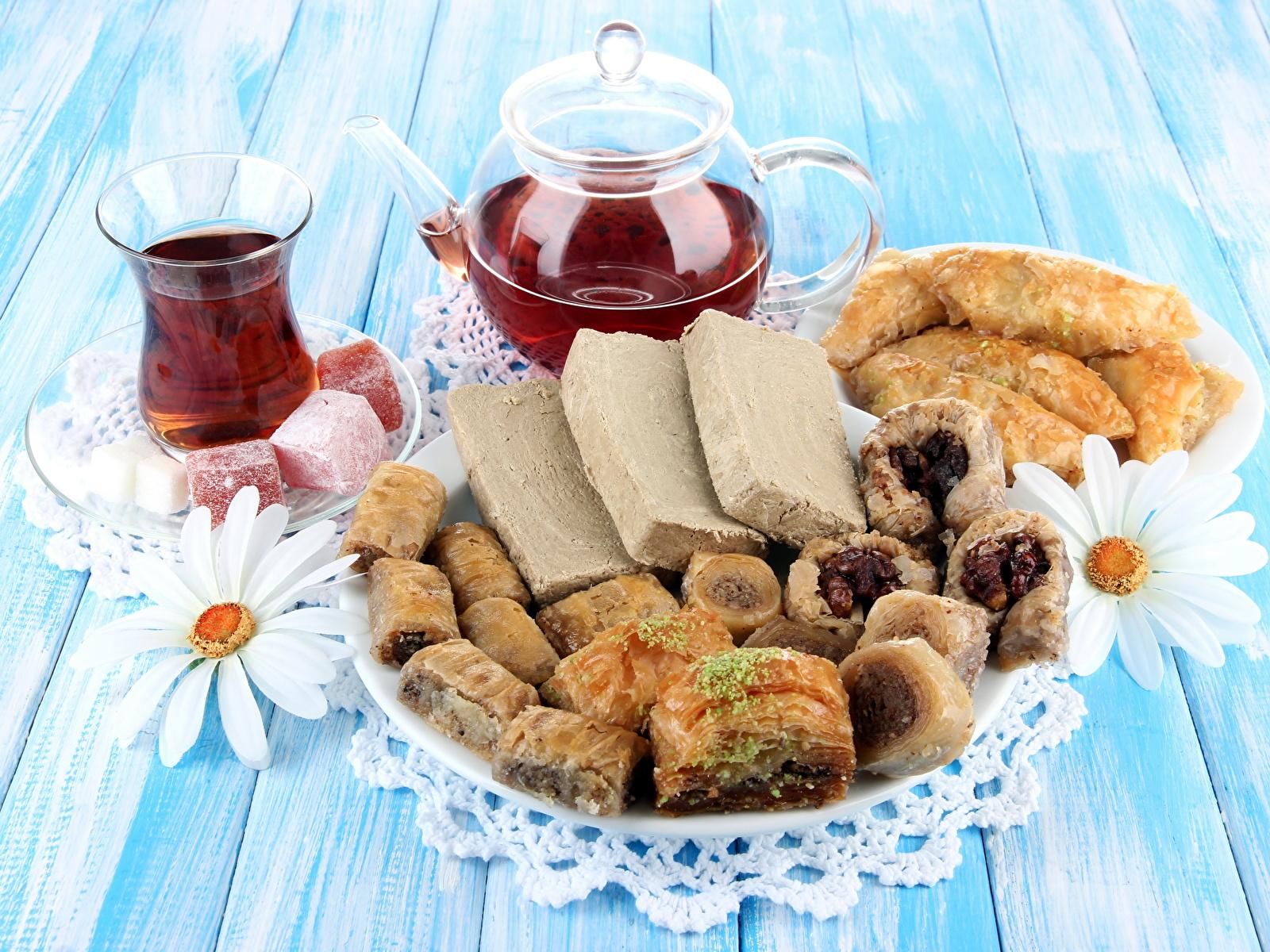 чай с булочками