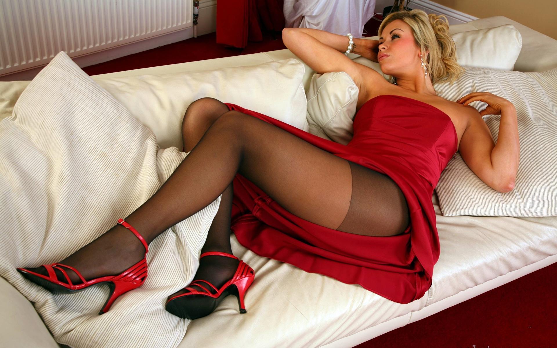 Фото ножки колготки секси
